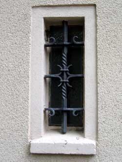 Mříž v okně